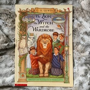 The Lion the Witch and the Wardrobe graphic novel